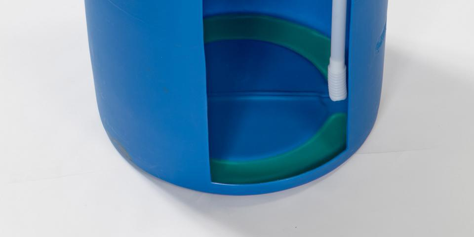 Optimum residual emptying due to seated bellows in 200 l drum.