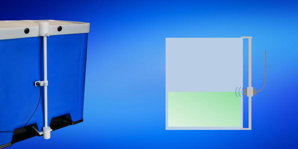 Sensor durchdringt Kunststoff-Behälterwand