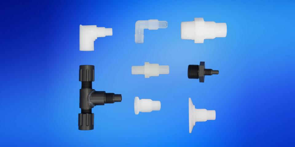 Fittings/flanges made of plastic